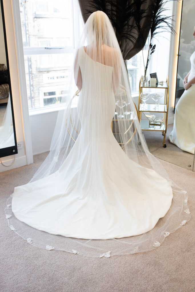 Nieve Couture NV236